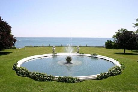 Rosecliff Fountain
