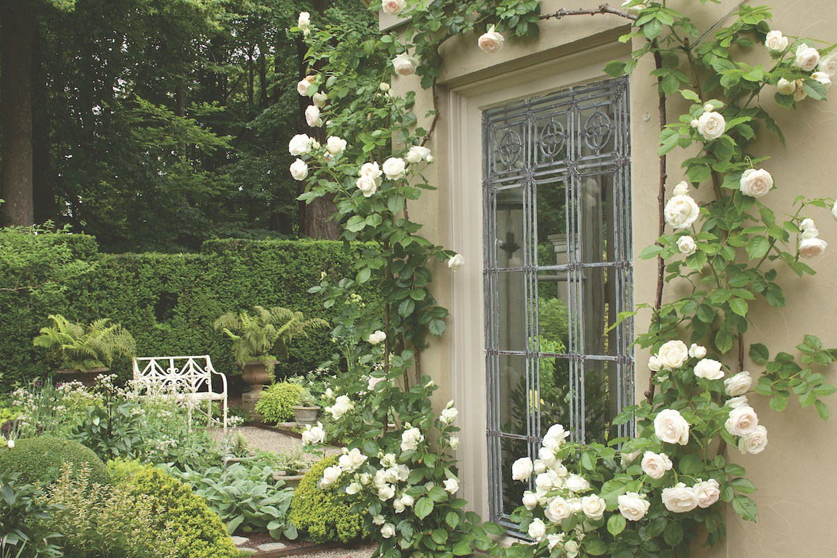 Flower Magazine: A Newport Garden for Strolling - Private Newport