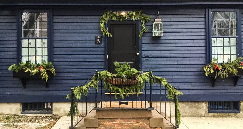 Before we finish Christmas week I indulge in a tradition started a few years back\u2026strolling the side streets of the Colonial areas of our town and ... & Newport\u0027s Holiday Doors - Private Newport