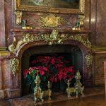 9 Inspiring Holiday Mantles