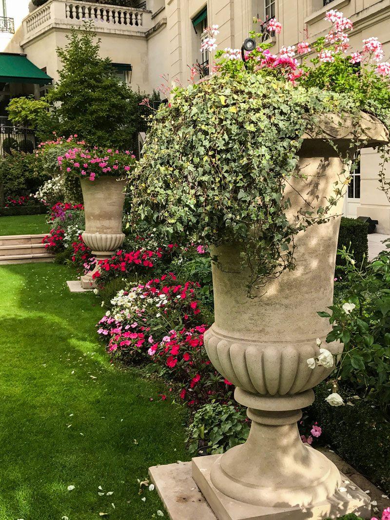 Inspiring Garden Design: Ideas to Borrrow from a Parisian Garden ...