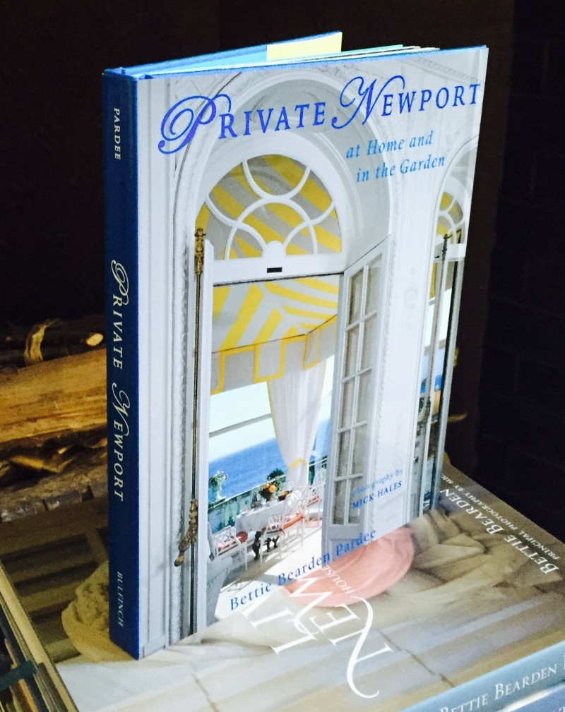 Private Newport: Houses, People, Style