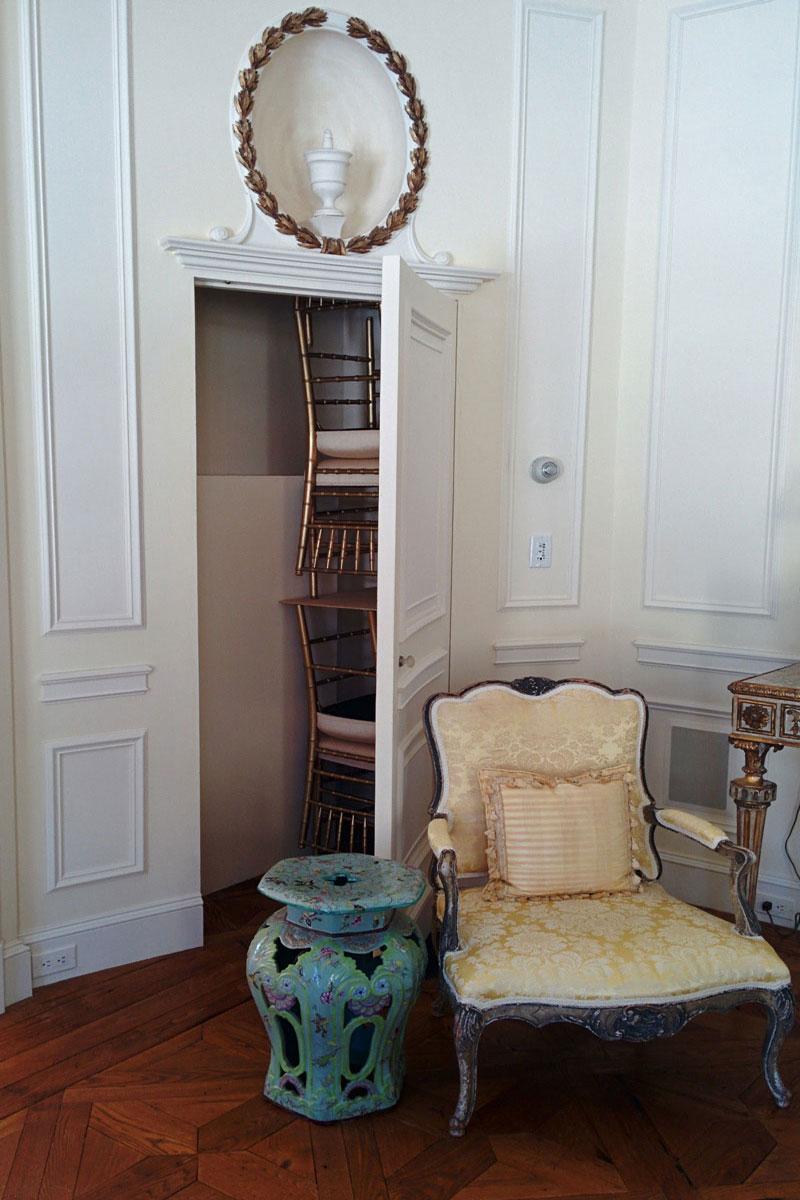 Salon Chair Storage